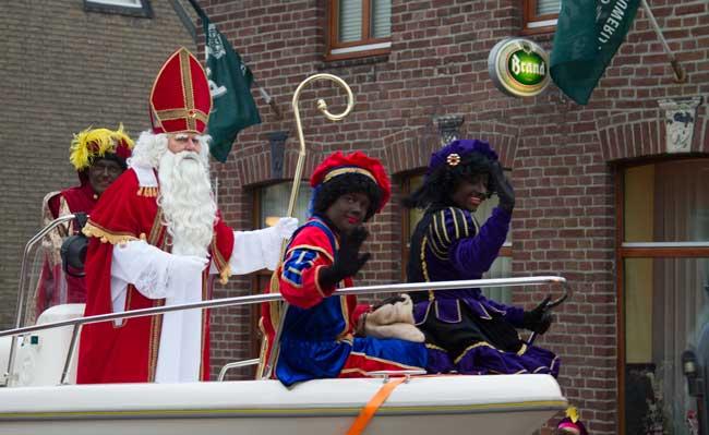 Sinterklaas komt aan met de boot!
